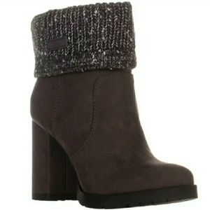 Sam Eldeman Brown Heeled Boots with Grey Knit Top